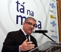 Renato Martins – Adequação de Imagem (RS/Brasil)
